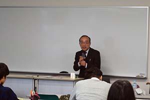 森戸先生の講義が始まりました